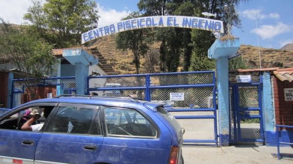 Portón del criadero de truchas de Ingenio.