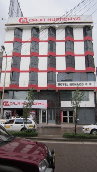 Caja Huancayo y Hotel Monaco