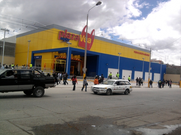 Plaza Vea El Tambo