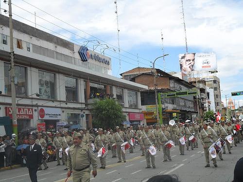 Desfile por aniversario de Huancayo